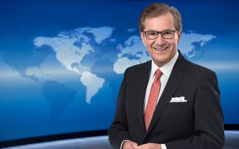 """Für ihn war es ein ganz besonderes Jahr: Nach über 30 Jahren bei der """"Tagesschau"""" ging Jan Hofer Ende 2020 in den Ruhestand. Die Hauptausgabe der """"Tageschau"""" im Ersten, einigen Dritten, bei 3sat, Phoenix, ARD alpha und Tagesschau24 wurde 2020 im Durchschnitt von 11,77 Millionen Zuschauern verfolgt, was einem Marktanteil von 39,5 Prozent entspricht."""